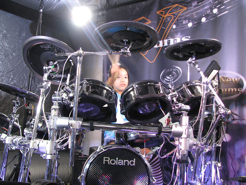 【2日目】ドラム・マガジン・フェスティバル2012の記事より